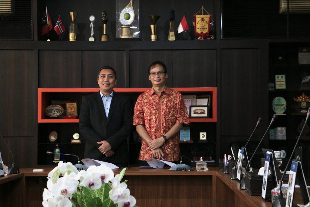 Zulfian Mirza (PT SESM) dengan Prof. Sri Widiyantoro, M.Sc., Ph.D. (Dekan FTTM ITB)